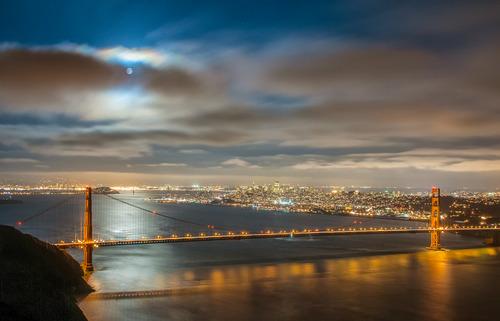 20140218064646-bridge_shadow