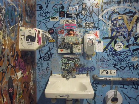 20140225181054-maxi_cohen_-_ladies_room_around_the_world__1_