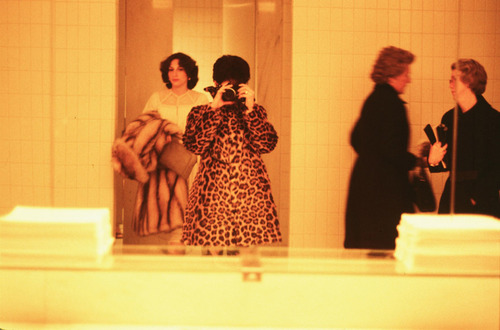 20140225181256-maxi_cohen_-_ladies_room_around_the_world__7_