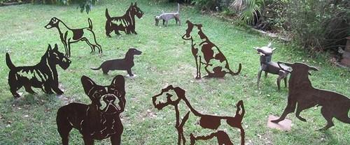 20140316000302-geoff-harvey-dogs-745x310