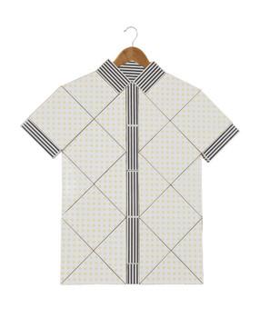 20140327045843-kadyrova-shirt_cred_filipeberndt-428x523