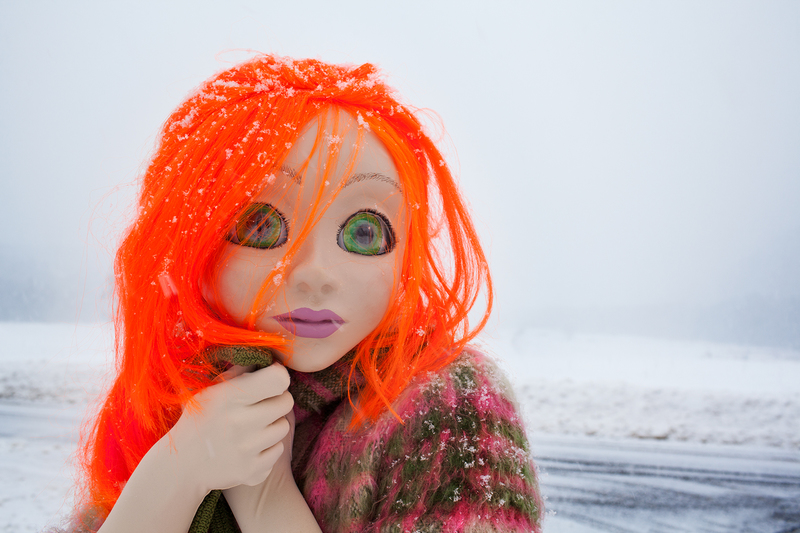 20140409130617-orange_hair_snow_close_up