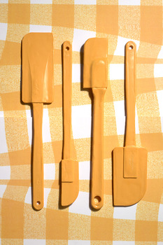 20140414052825-yellow_spatulas