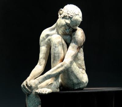 20140424153131-man_head_on_knee_large__elg___detail__wide_format_hd-bob_clyatt_sculpture