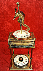 20140426164507-rose_ruby-seahorse-music-box