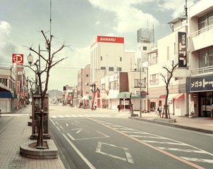 Street_to_the_main_station__shimada_city__japan__2007