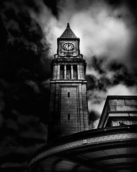 20140507113202-clock_tower_no_10_scrivener_square_toronto_canada_4x5