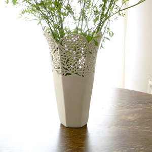 20140627210012-july_15__2013_large_lace_vase_1