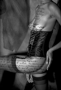 20140716162942-black_corset