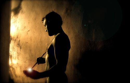 20140801012319-cave-light