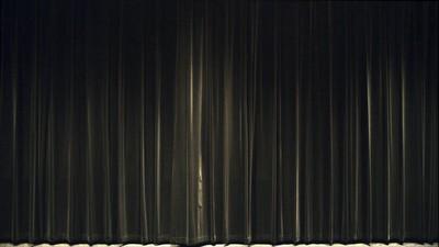 20140814084323-1_curtains_still_copy