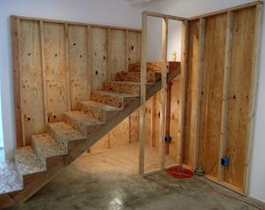 Laelcorbin__untitled__stairs-bear_den___2008