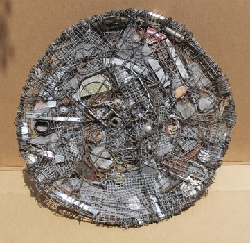 20140828045710-peter_platter__1999__found_object__20x20x3