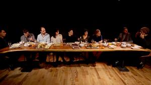 20140901035819-dinner_table10