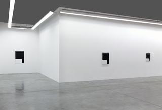 20140922145858-carbon12dubai-andre_butzer-2014-installation_view