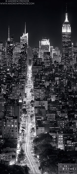 20140924170205-vertical-panorama-nyc-night-black-white