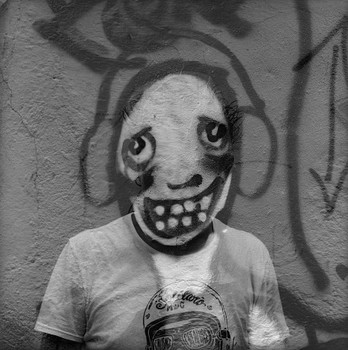 20141029184356-i-autorretrato-dibujado-a-un-muro_2013-93