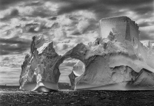 20141017170644-salgado_iceberg
