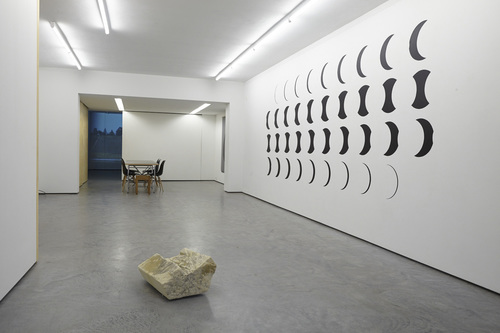 20141027150821-fear_of_the_empty_installation_view_02