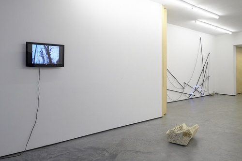 20141027150913-fear_of_the_empty_installation_view_01