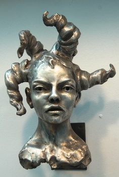 20141103030319-silver_medium_womans_head__-l-bob_clyatt_sculpture__1_