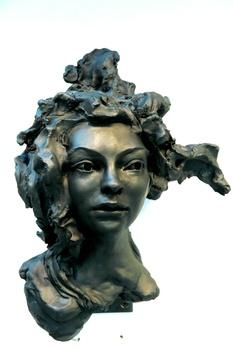 20141103030320-bwac_woman-black-l-bob_clyatt_sculpture