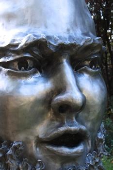 20141103030328-fierce_detail__beard__outdoor__vert-l-bob_clyatt_sculpture