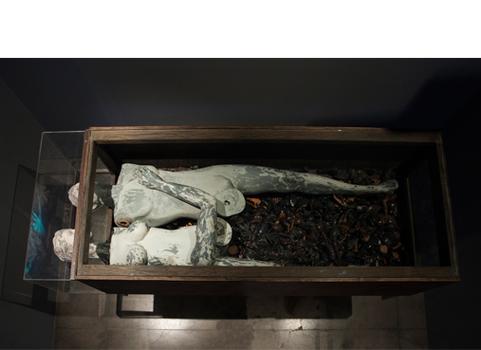 20141114173540-coffin_copy1