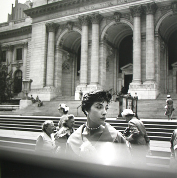 20141202124126-new_york_ny_nd_01_c_vivian_maier_maloof_collection_courtesy_howard_greenberg_gallery_new_york