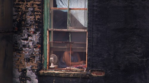 20150123171806-touch-woman-in-window-cinedureel