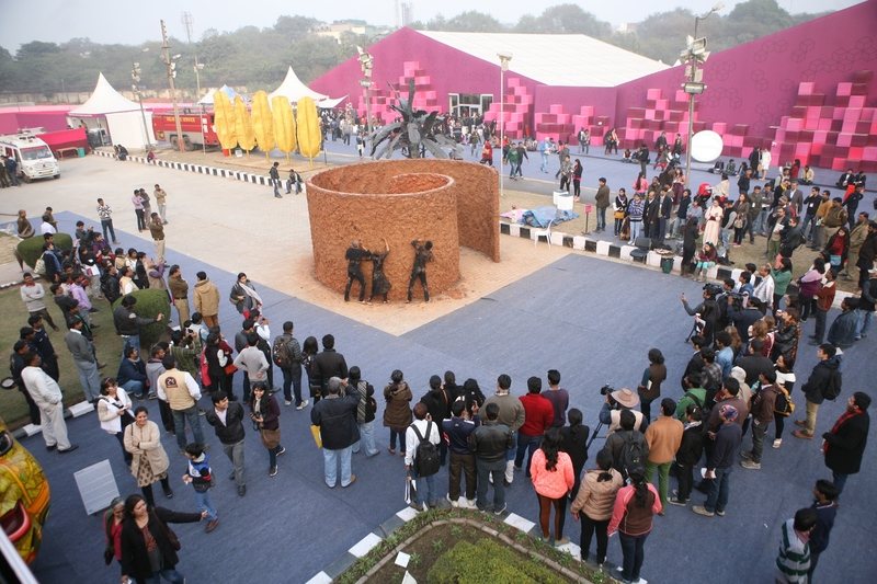 20150127180905-visitors_at_the_india_art_fair_2014_in_new_delhi_watching_a_performance_by_anindita_dutta__supported_by_latitude_28-