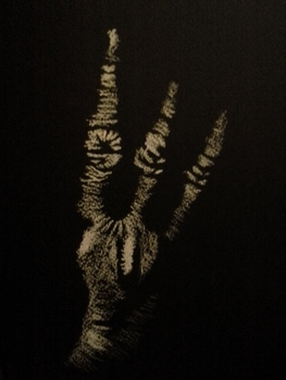 20150201132130-chalk_drawing_hand_i