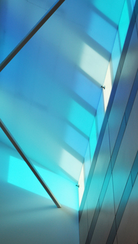 20150202014402-blue_light_detail_hr