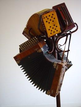 20150203033056-accordeon_installatie2