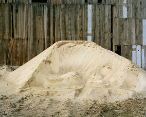 20150218094017-darek_fortas__still_life_iv__pile_of_frozen_sand___from__at_source__series__2013_