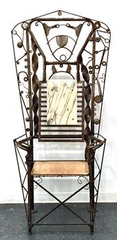 20150323162418-linus-coraggio-throne