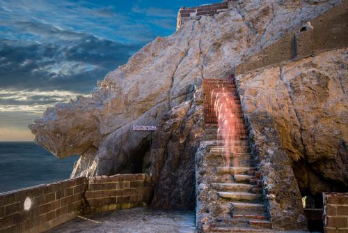 20150330030110-tony_maridakis-paul_ascending_stairs