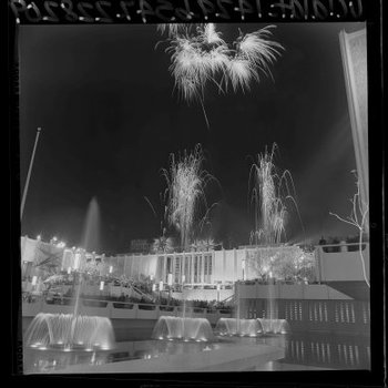20150413175408-fireworks_lacma_opening_day
