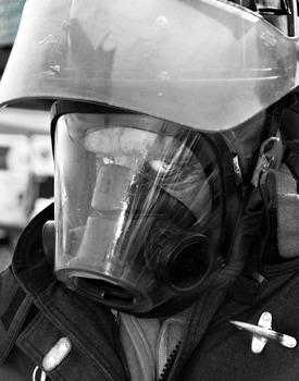 20150501173334-first-responder-mono-1280