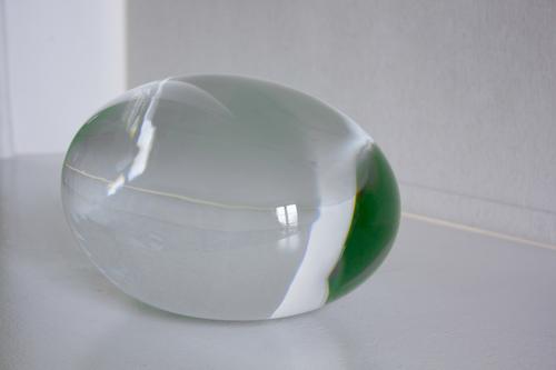20150522230401-dumas_juliette_title-blob_of_water_blown_glass_and_water_8