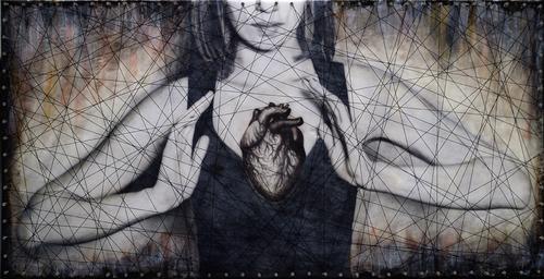 20150523231823-saatchi-nicole_fournier-heartstrings