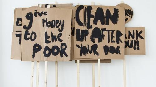 20150529094425-image-1-peter-liversidge-placards-notes-on-protesting-2014-black-emulsion-cardboard-wood-e1424866220618-1170x655