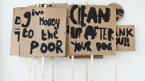 20150529094425-image-1-peter-liversidge-placards-notes-on-protesting-2014-black-emulsion-cardboard-wood-e1424866220618-1170x655