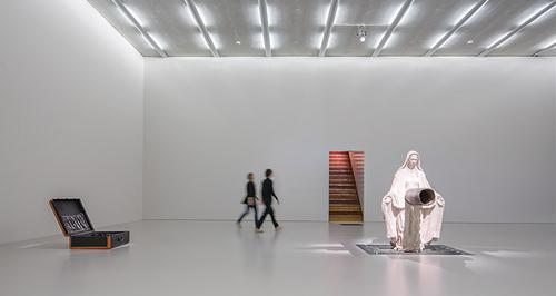 20150615173324-exhibition_1