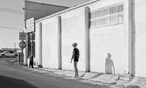 20150713184553-inessa-waits-near-south-9th-street-modesto-ca-2012-c-katy-grannan-courtesy-fraenkel-gallery-san-francisco-and-salon-94-new-york_rezwt_w1600_h960_h960_q85