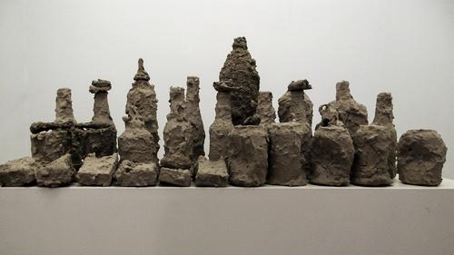 20150805000633-bottles_mud