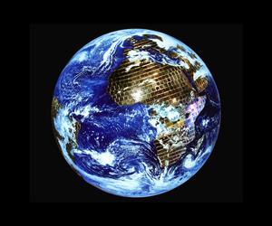 20150813123743-theo_eshetu__the_mirror_ball_constellation__2013-2015__c-print__120x100cm