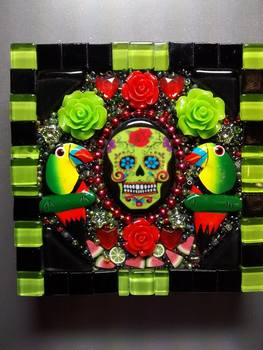 20150827175525-dayofdead_green_sold