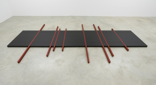 20150904113309-wasko_time_sculpture_at_black_paint_bodenstueck__1986__470x250x6_dsc3836