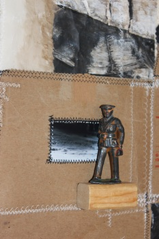 20150907074038-playing_soldier_by_maria_cristina_jadick_detail_4